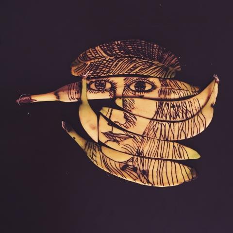 apparition d'Antonin Artaud sur une peau de banane